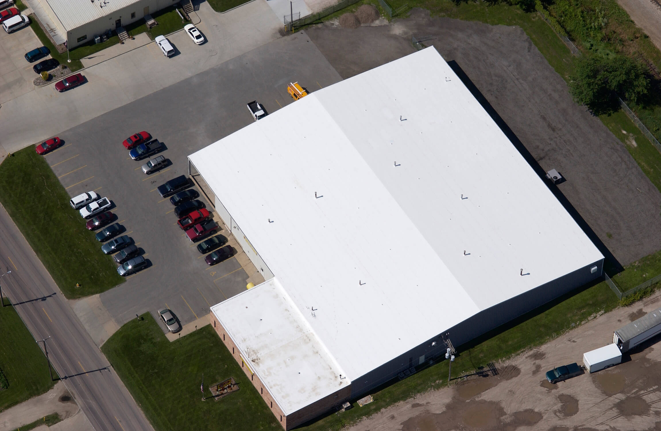187 Aerial View Of Commercial Roof Building